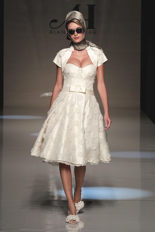 Мода 2017 х годов фото платья и прически